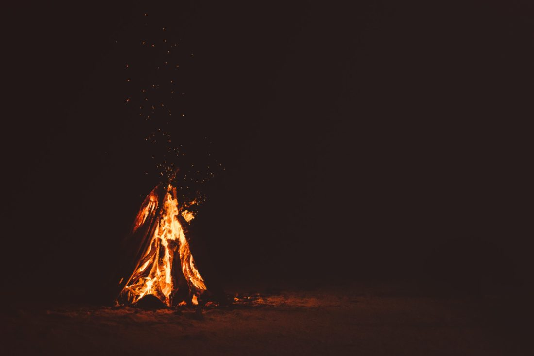 安全に焚火するならスノーピークの焚火台L